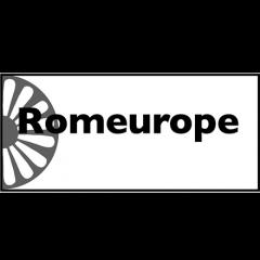 Le CNDH Romeurope a pour objectif principal de favoriser le respect des droits fondamentaux pour les Roms migrants en France et leur inscription dans le droit commun. Pour cela, il vise à lutter contre toutes les formes de discriminations et le racisme spécifique dont ces personnes sont victimes dans un contexte de migration.