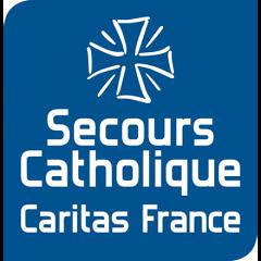 Fondé en 1946, le Secours Catholique-Caritas France est un service de l'Église catholique, membre de la confédération Caritas Internationalis. Il fédère un réseau de 67 400 bénévoles pour « apporter, partout où le besoin s'en fera sentir, à l'exclusion de tout particularisme national ou confessionnel, tout secours et toute aide, directe ou indirecte, morale ou matérielle, quelles que soient les opinions philosophiques ou religieuses des bénéficiaires. »