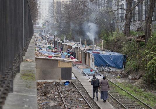 Expulsions de bidonvilles : les chiffres du recensement 2015 (ERRC-LDH)